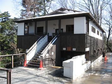 高尾山トイレ.jpg